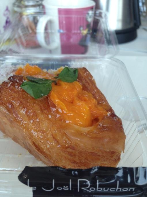 Danish pastry with fresh mango