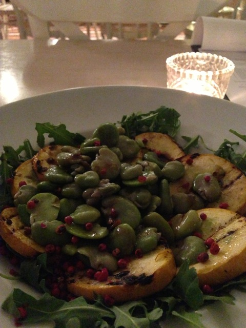 Broad beans, zucchini, and rucola with tasty dressing.