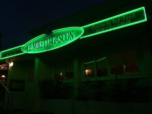 Le Miretti Gascon by night