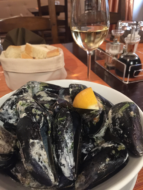 Steamed mussels with lots of garlic and herbs